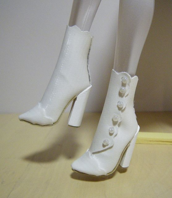 making doll shoes tutorial